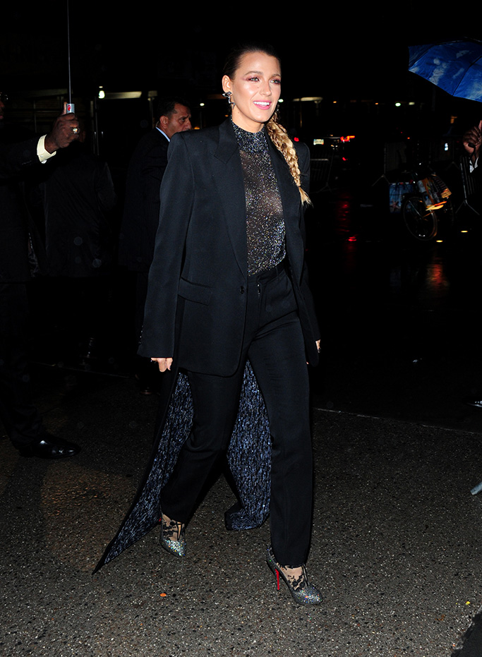 Blake Lively 'A Simple Favor' film premiere, Arrivals, New York, USA - 10 Sep 2018WEARING GIVENCHY SAME OUTFIT AS CATWALK MODEL *9731095aa