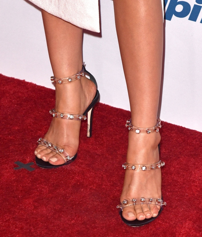 sarah hyland, red carpet, clear sandals