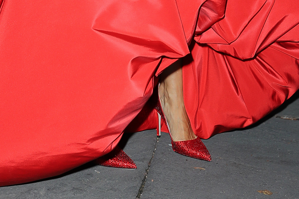 sarah jessica parker, red heels