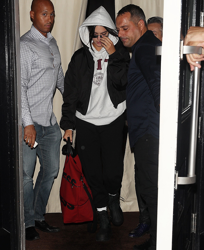 Kendall Jenner leaves an The Mercer to fly to LAPictured: Kendall JennerRef: SPL5022567 100918 NON-EXCLUSIVEPicture by: SplashNews.comSplash News and PicturesLos Angeles: 310-821-2666New York: 212-619-2666London: 0207 644 7656Milan: +39 02 4399 8577Sydney: +61 02 9240 7700photodesk@splashnews.comWorld Rights