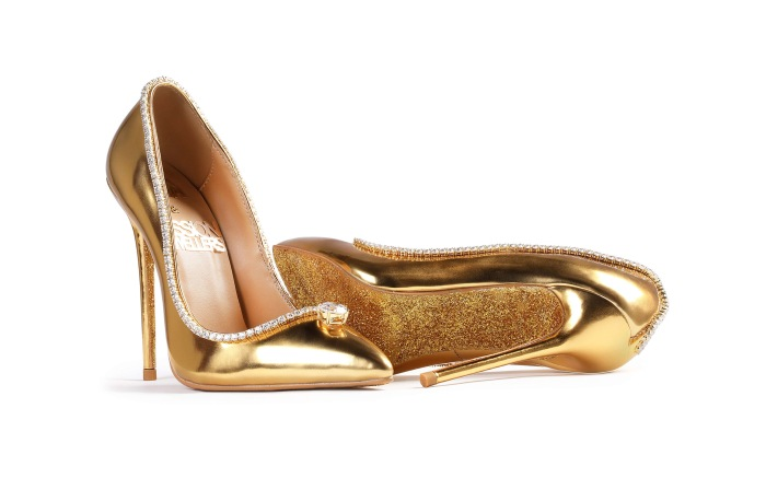 A pair of shoes that cost a staggering $17 million USD are set to be created in Dubai. The Passion Diamond stilettos, made from gold and encrusted with diamonds, have been dubbed as ?the world?s most expensive? and only one pair will be made in the world. The were the brainchild of UAE-based brand Jada Dubai in collaboration with Passion Jewelers. The previous record holder was a $15.1 million?pair made by British designer Debbie Wingham. ?We wanted to create a piece that is truly unique in the world using very rare diamonds,? said Maria Majari, co-founder and creative director of Jada Dubai.Pictured: The Passion Diamond ShoesRef: SPL5028627 280918 NON-EXCLUSIVEPicture by: Jada Dubai/Splash News / SplashNews.comSplash News and PicturesLos Angeles: 310-821-2666New York: 212-619-2666London: 0207 644 7656Milan: +39 02 4399 8577Sydney: +61 02 9240 7700photodesk@splashnews.comWorld Rights