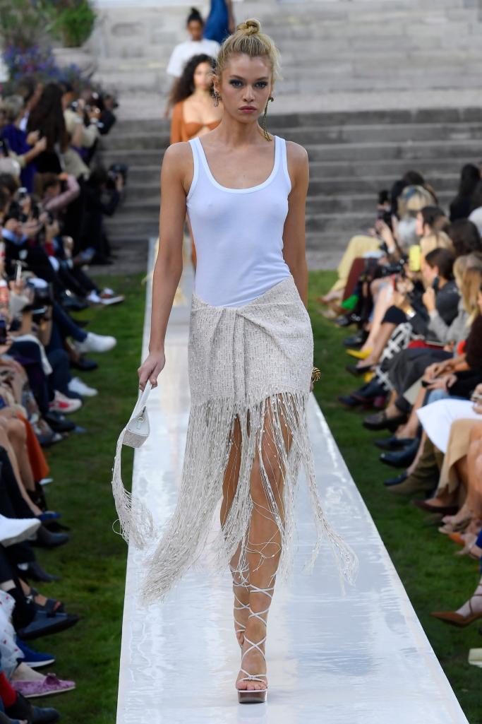 stella maxwell, jacquemus spring 2019, paris fashion week