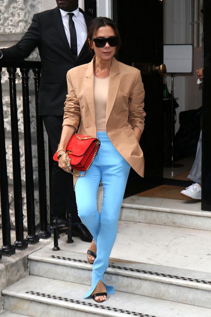 victoria beckham, runway, spring 2019, london fashion week