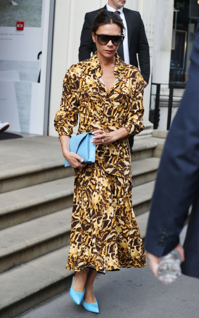 victoria beckham, london fashion week, Victoria Beckham Pleated Shirt Dress, Victoria Beckham Envelope Clutch, street style