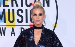 Ashlee Simpson, AMAs, Red Carpet, 2018