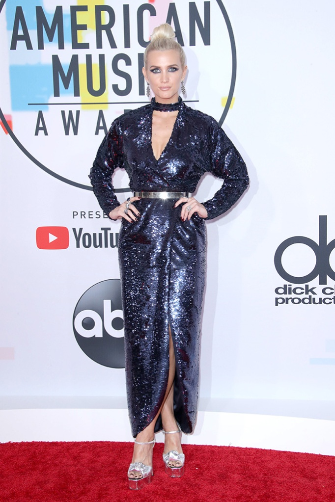 Ashlee Simpson, Giuseppe Zanotti shoes, Monique Lhuillier dress, American Music Awards, Arrivals, Los Angeles, USA - 09 Oct 2018, red carpet, silver sandals, blue gown, legs
