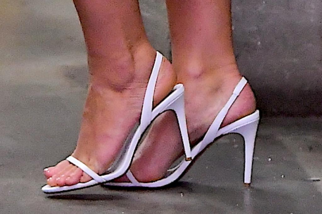 ashley graham feet, slingback sandals