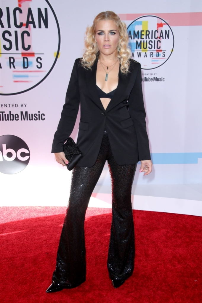 busy phillips, Michael Kors, red carpet, 2018 amas