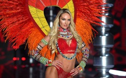Candice SwanepoelVictoria's Secret Fashion Show 2017