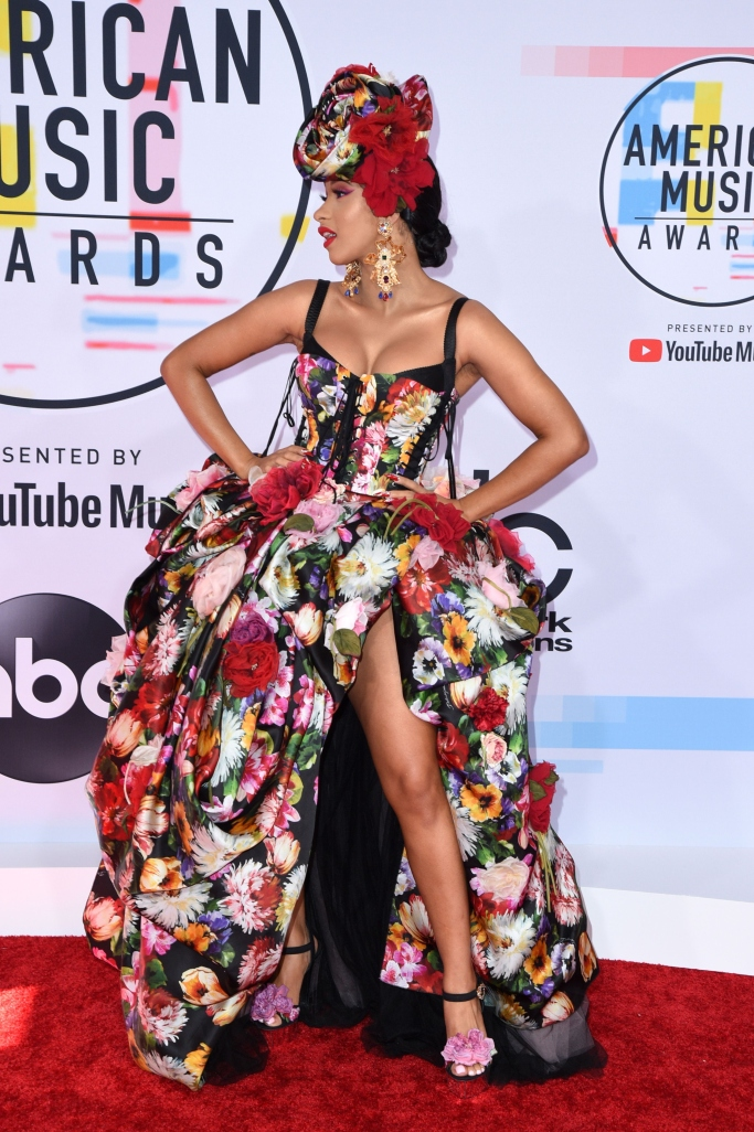 cardi b, dolce & gabbana, amas 2018, red carpet, flower dress