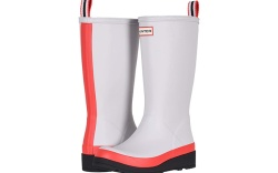 Hunter and Zappos Launch Rainboots for