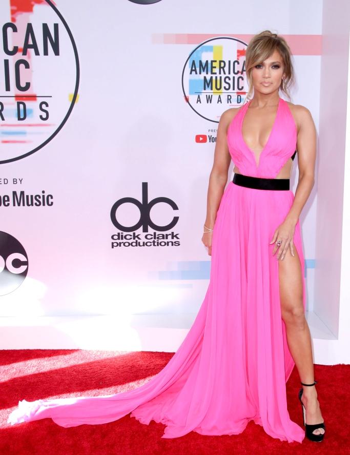 Jennifer Lopez, red carpet, amas, gown, jimmy choo, legs