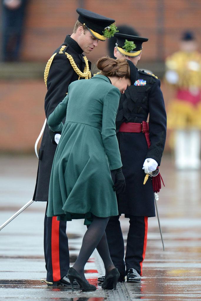 Kate Middleton, grate, shoe, stuck