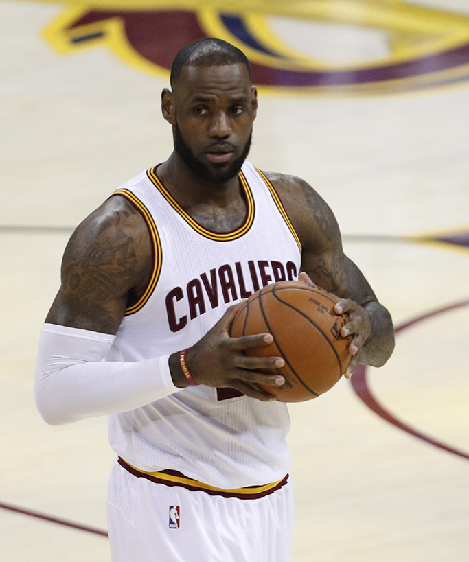 LeBron James Golden State Warriors at Cleveland Cavaliers, USA - 09 Jun 2017Cleveland Cavaliers forward LeBron James before his start against the Golden State Warriors in the first half of game four of the NBA Finals basketball game at Quicken Loans Arena in Cleveland, Ohio, USA, 09 June 2017.
