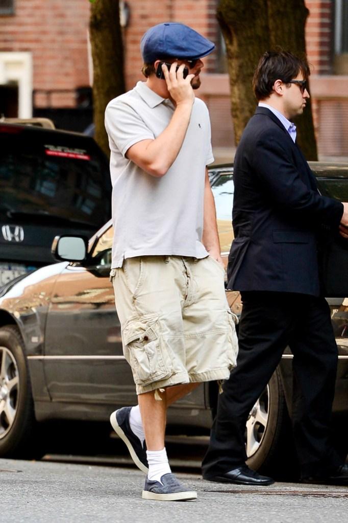 leonardo dicaprio, baggy cargo shorts, slip on sneakers, newsboy cap