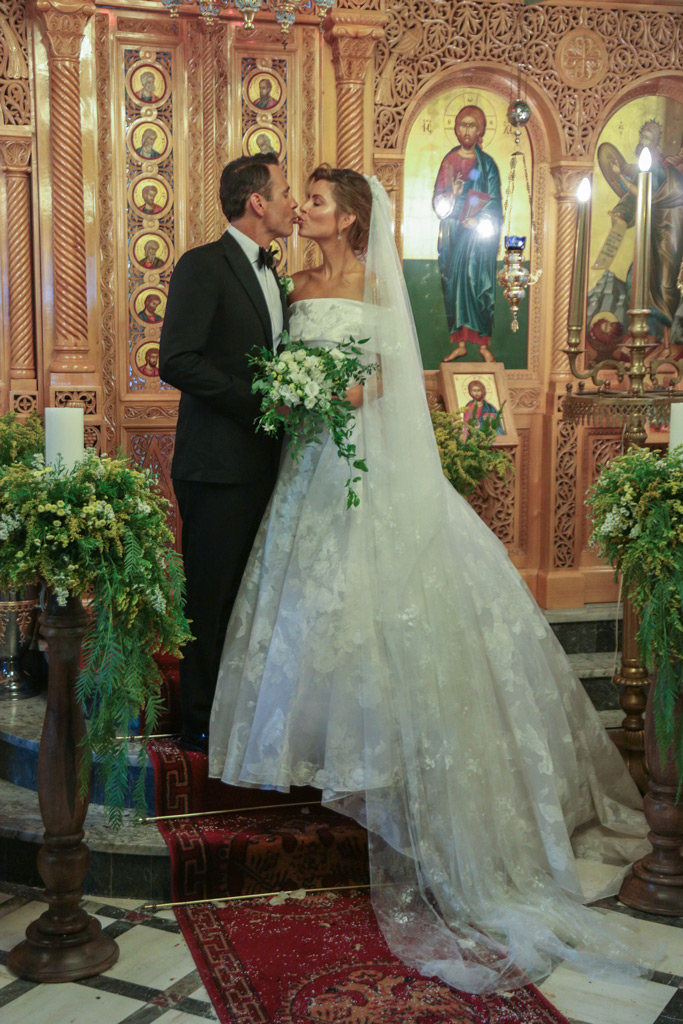 Maria Menounos, wedding dress, Keven Undergaro , wedding, first kiss, greece, greek orthodox, ceremony