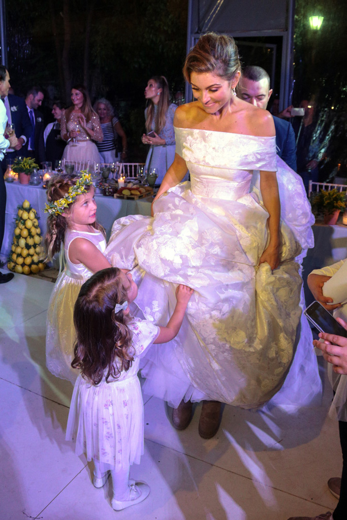 Maria Menounos, wedding, reception, flower girls, wedding dress