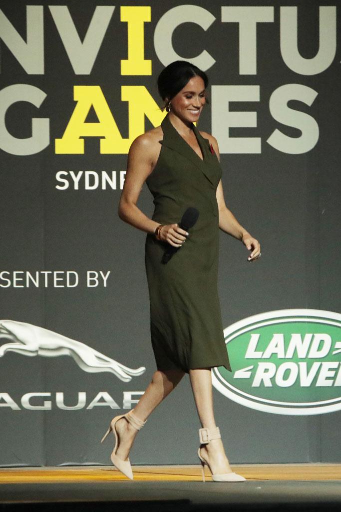 Meghan Markle, pregnant, australia, Invictus Games, aquazzura, heels, dress
