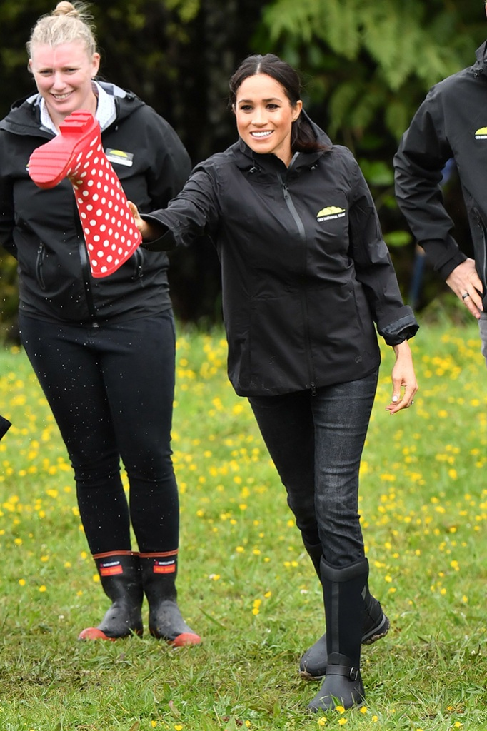 Muck Boot Company, Meghan Duchess of Sussex and Prince Harry dedicate a 20-hectare area of native bush to The Queen's Commonwealth Canopy at Abel Tasman National Park in Auckland. After unveiling the plaque, The Duke and Duchess join children from the 'Trees in Survival' group in a 'welly-wanging' contest.sPrince Harry and Meghan Duchess of Sussex tour of New Zealand - 30 Oct 2018