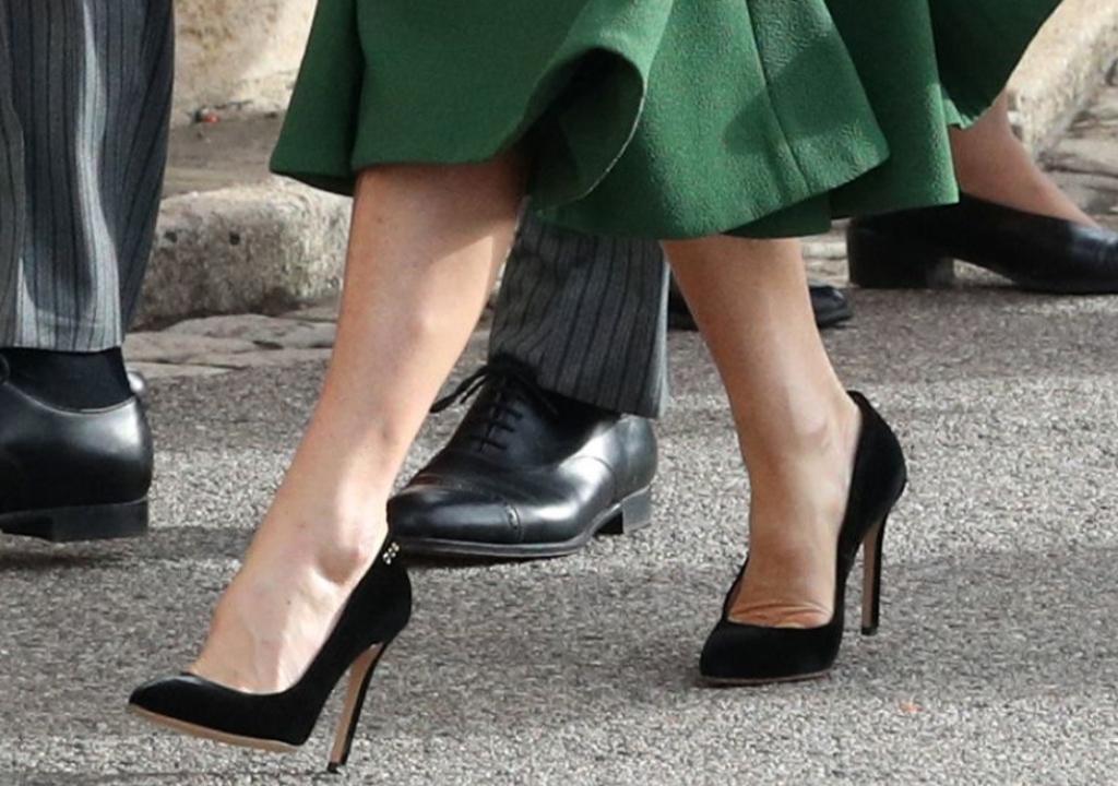 pippa middleton shoes, black pumps