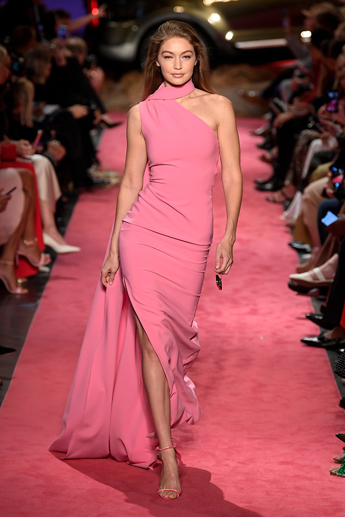 Gigi Hadid on the catwalkBrandon Maxwell show, Runway, Spring Summer 2019, New York Fashion Week, USA - 08 Sep 2018MODELLING SAME OUTFIT AS THANDIE NEWTON