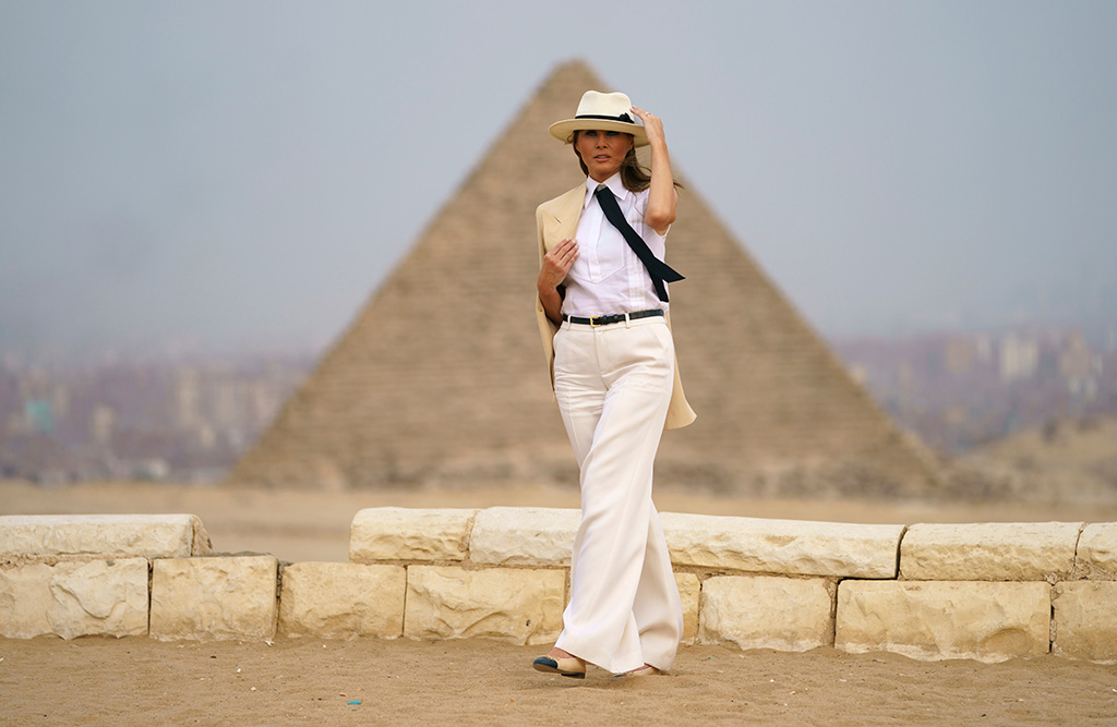 First lady Melania Trump visits the historical site of the Giza Pyramids in Giza, near Cairo, Egypt. . First lady Melania Trump is visiting Africa on her first big solo international tripMelania Trump Africa, Giza, Egypt - 06 Oct 2018