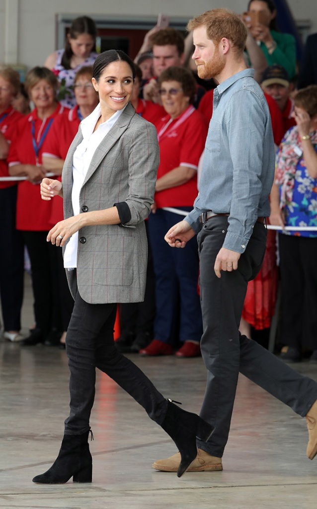 Prince Harry and Meghan Duchess of Sussex at the Royal Flying Doctor Service at Dubbo AirportPrince Harry and Meghan Duchess of Sussex tour of Australia - 17 Oct 2018