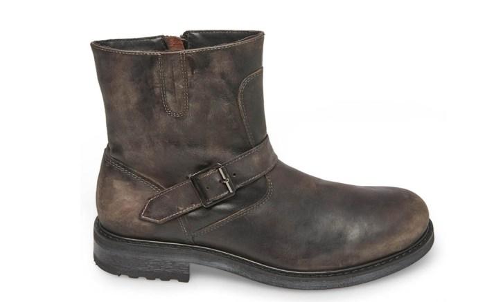 Steve Madden Buckk boot