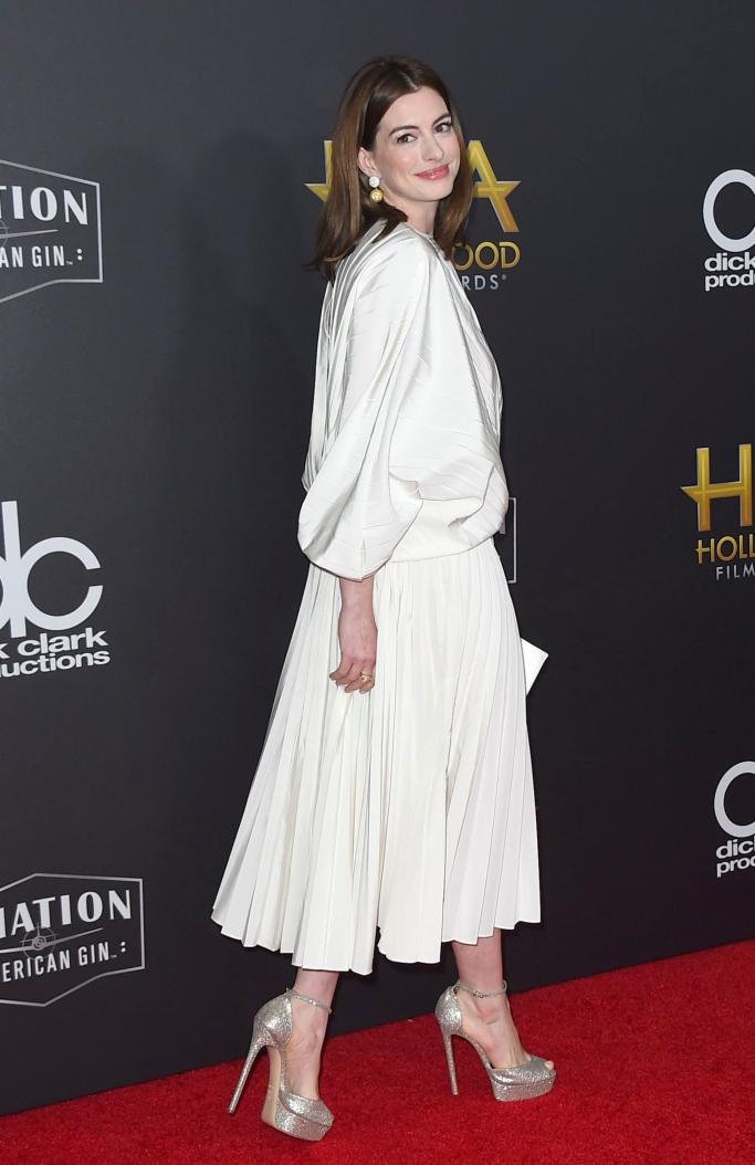 2018 Hollywood Film Awards, Anne Hathaway, valentino spring 2019
