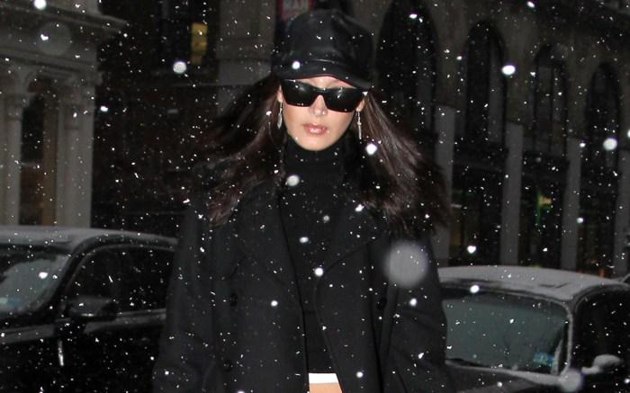 bella-hadid-snow