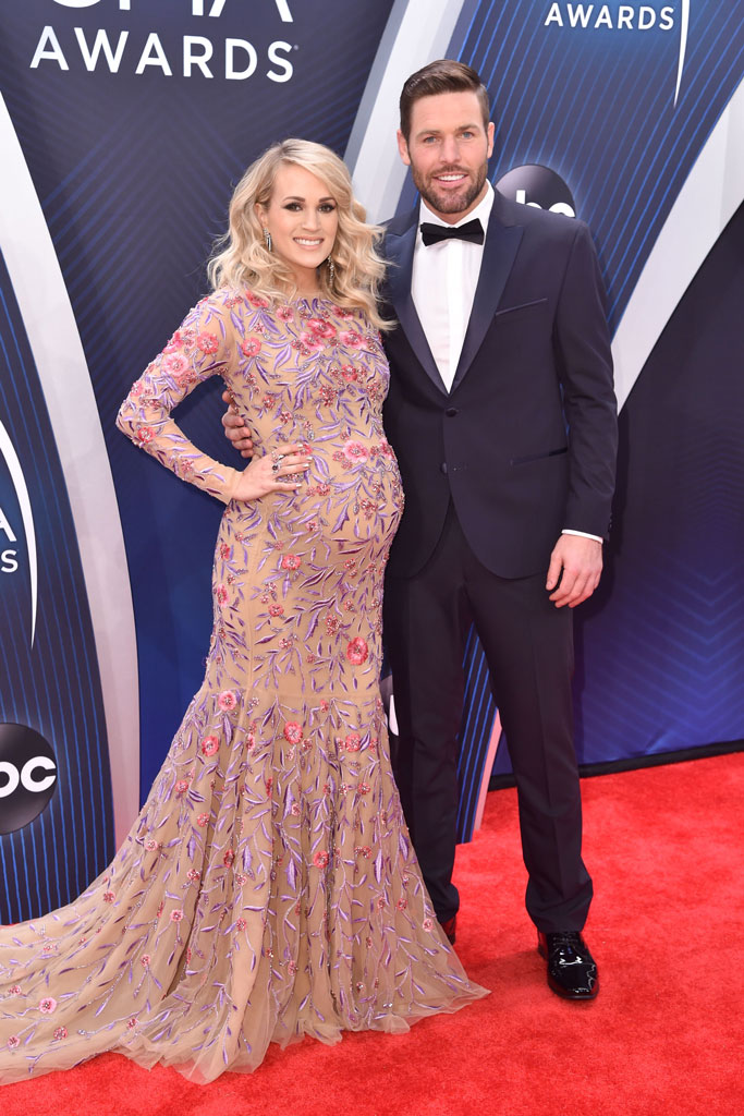 carrie underwood, mike fisher, red carpet, cma awards, country music association awards, nashville, pregnant