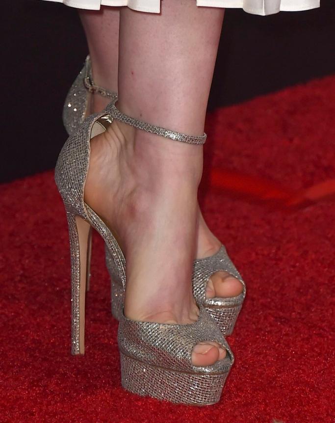 anne hathaway, Casadei Flora Glitter Platform Sandals