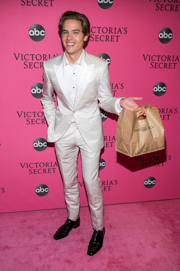 Dylan Sprouse, pink carpet, vsfs,