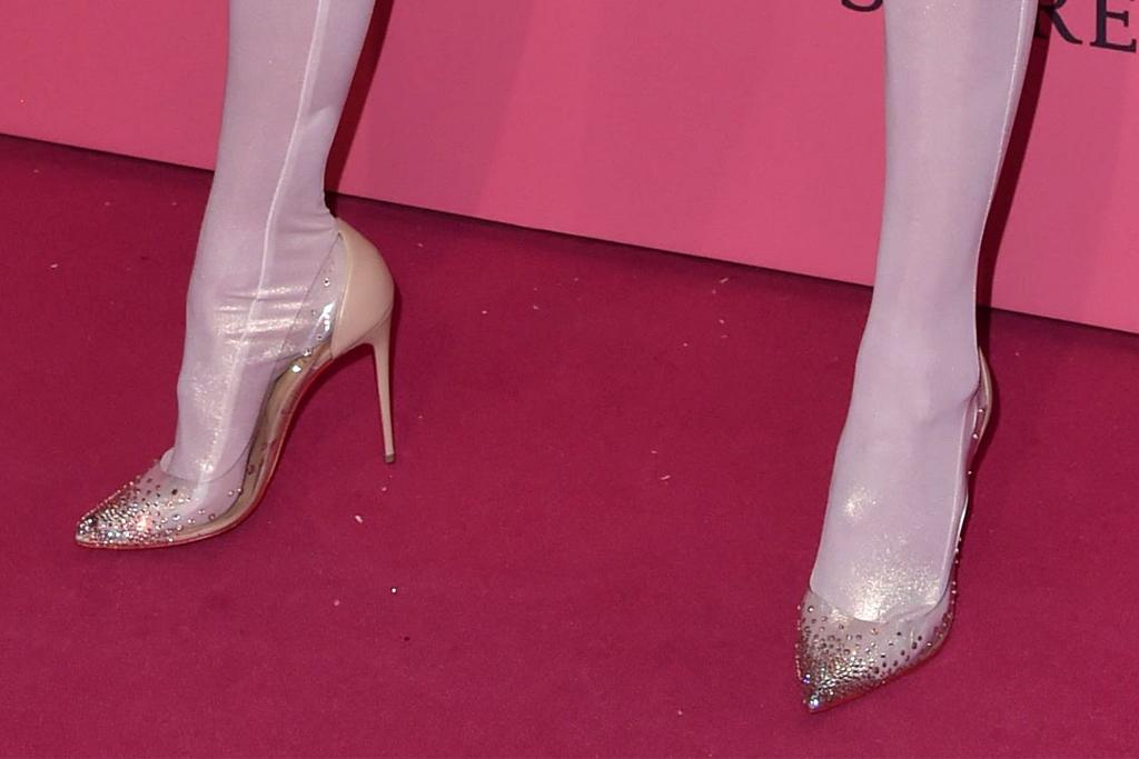 gigi hadid, heels