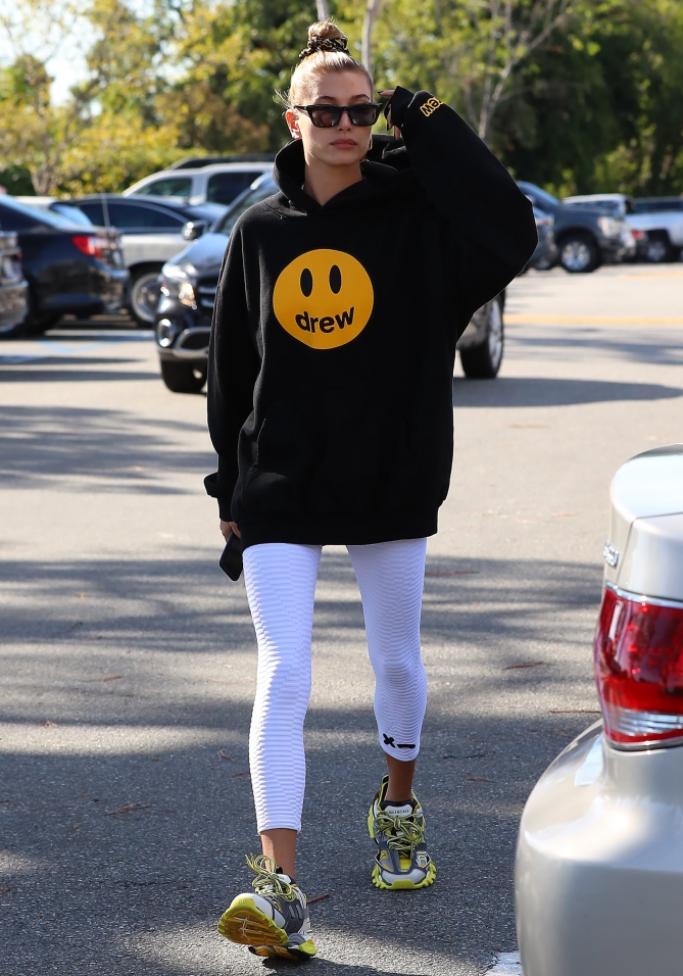 hailey baldwin bieber, Balenciaga Track sneakers