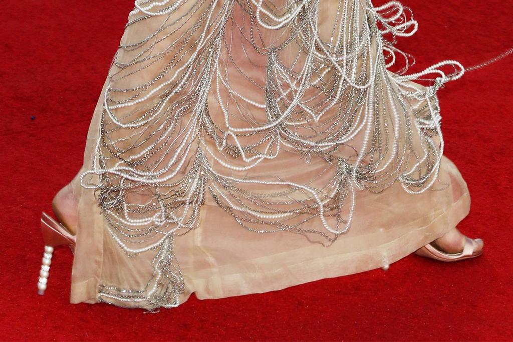 halsey, heels, latin grammy awards