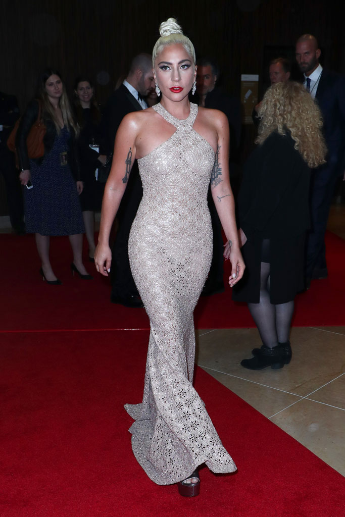 lady gaga, alaia, red carpet, nude gown,