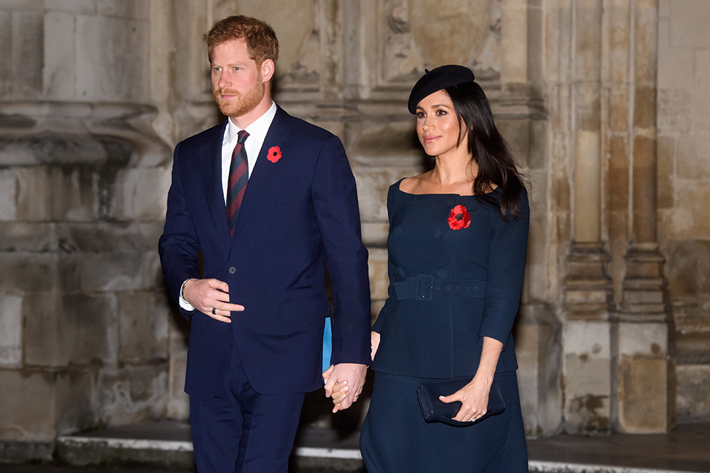 pregnant meghan markle wears go to bow heels for remembrance day footwear news https footwearnews com 2018 fashion celebrity style meghan markle pregnancy fashion remembrance day 1202705594