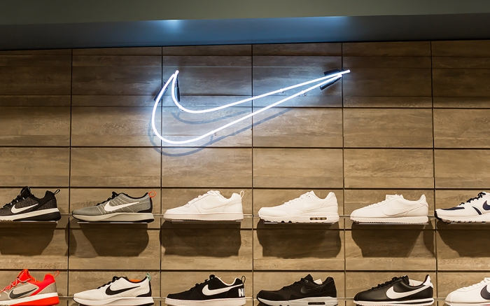 Nike store Nike friends and family sale