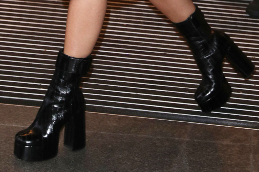 rita ora, black boots