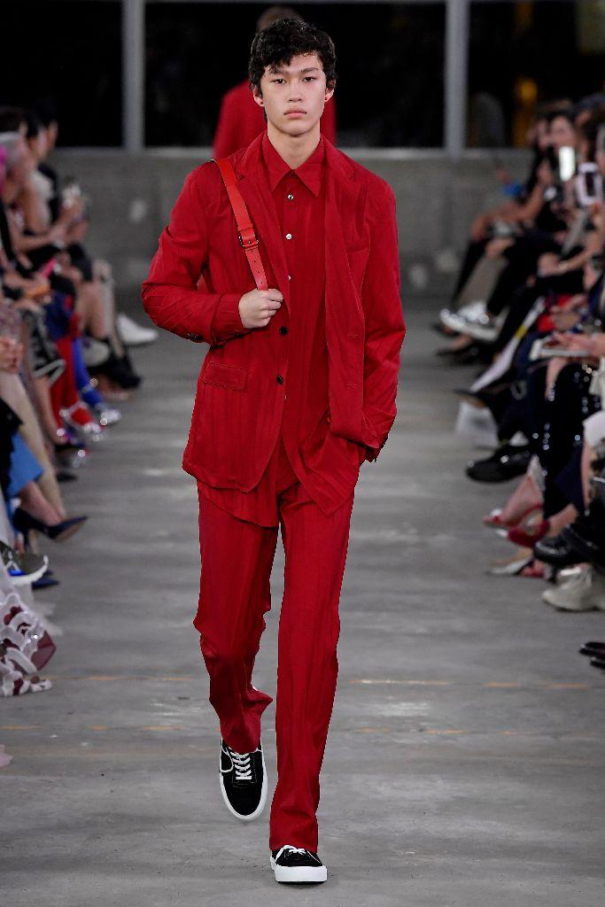 valentino pre-fall 2019 men's tokyo red