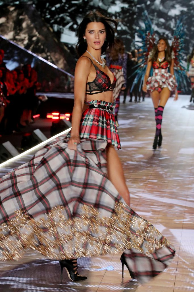 kendall jenner 2018 victoria's secret fashion show