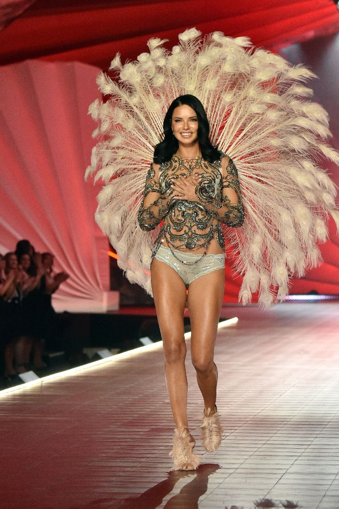 adriana lima, victoria's secret fashion show, runway, final walk
