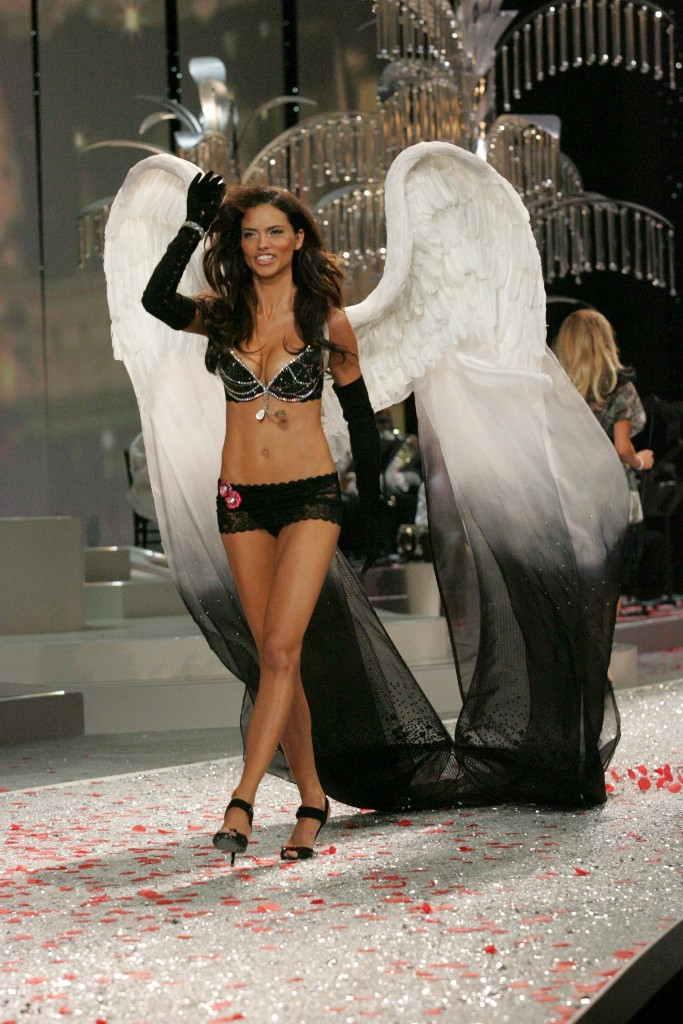 adriana lima, 2008, vsfs, victoria's secret fashion show