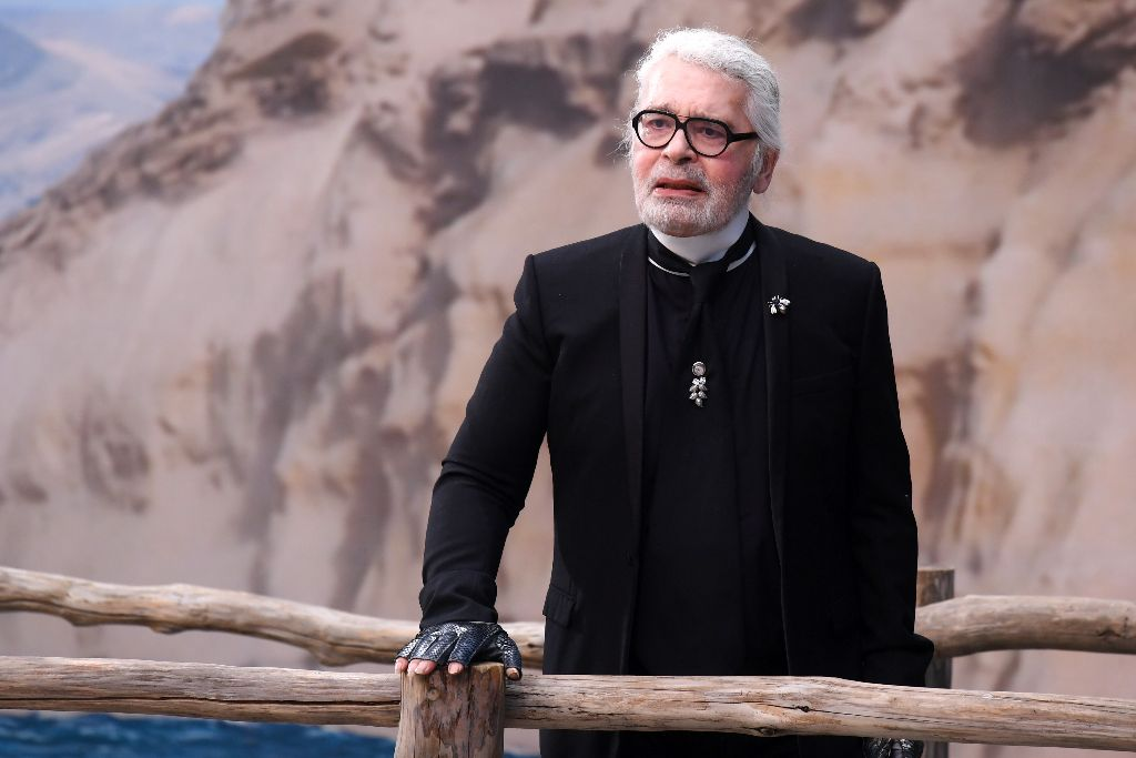 neflix-7-days-out-chanel-karl-lagerfeld