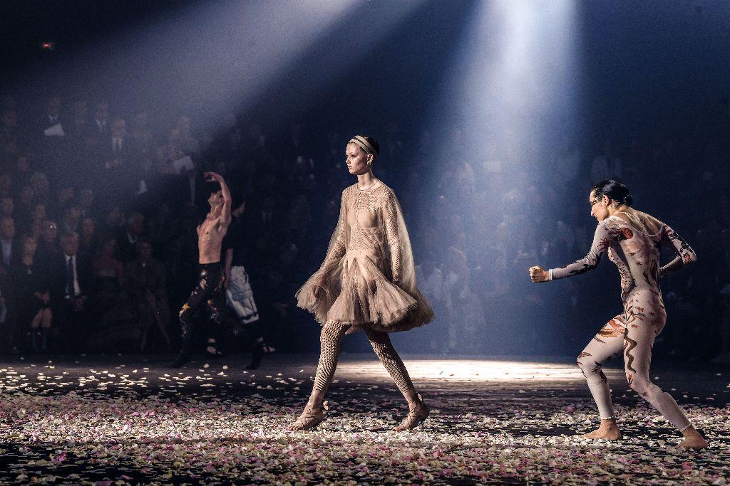 top-10-runway-moments-2018-christian-dior-ballet