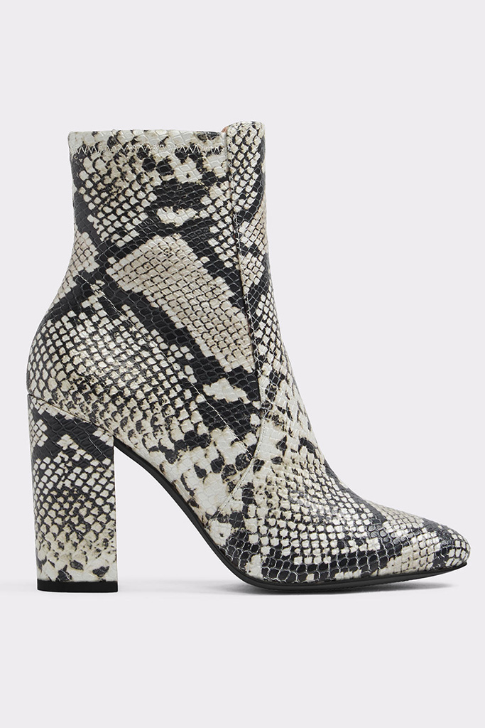 snakeskin boots, Aurella