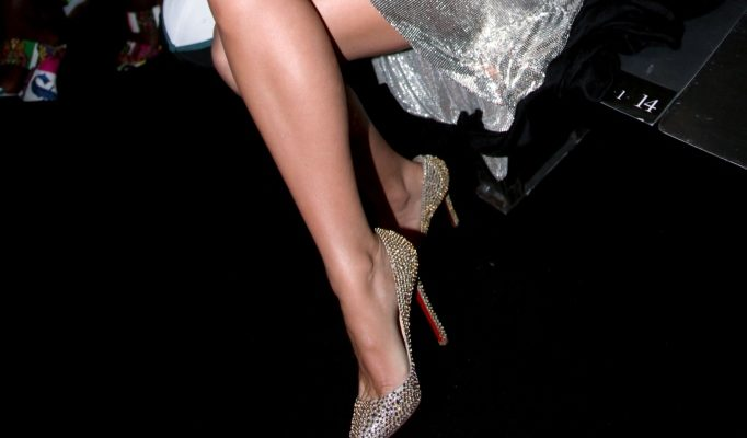Blake Lively, Versace, Christian Louboutin