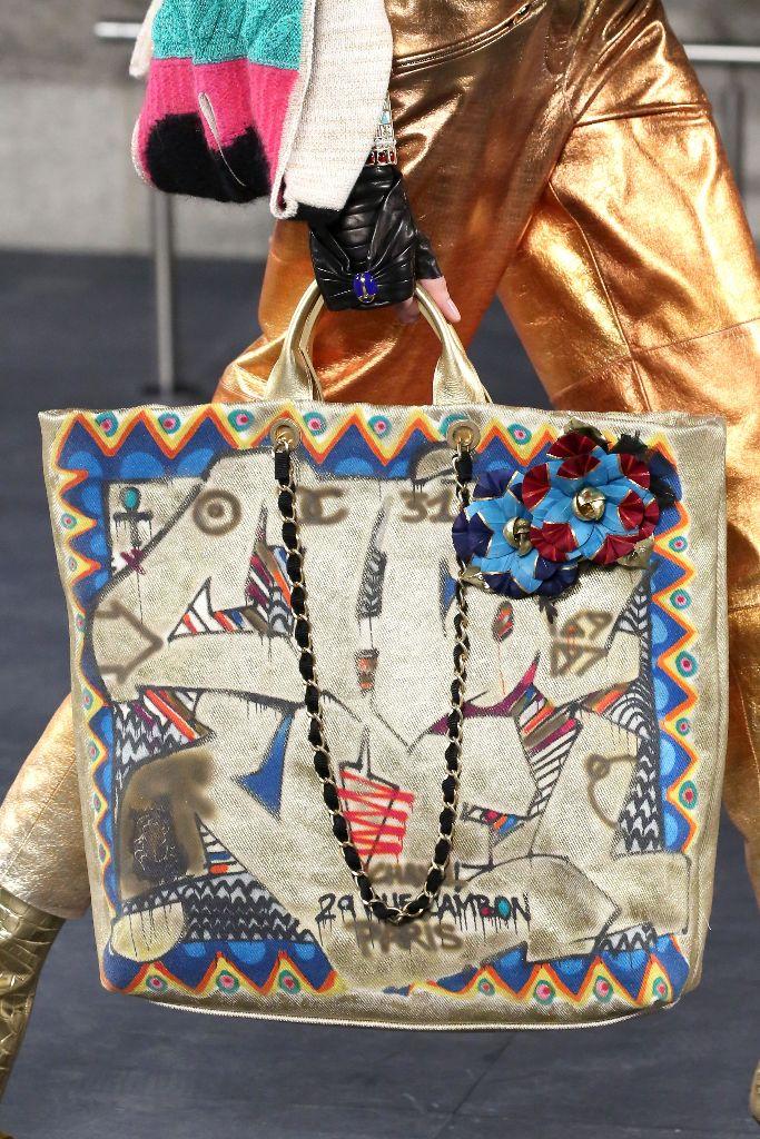 chanel pre-fall 2019 metiers d'art ancient egypt new york met handbags