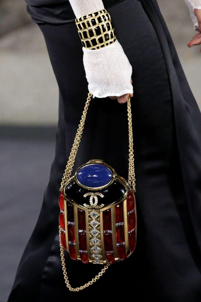 chanel metiers d'art prefall 2019 new york met handbags